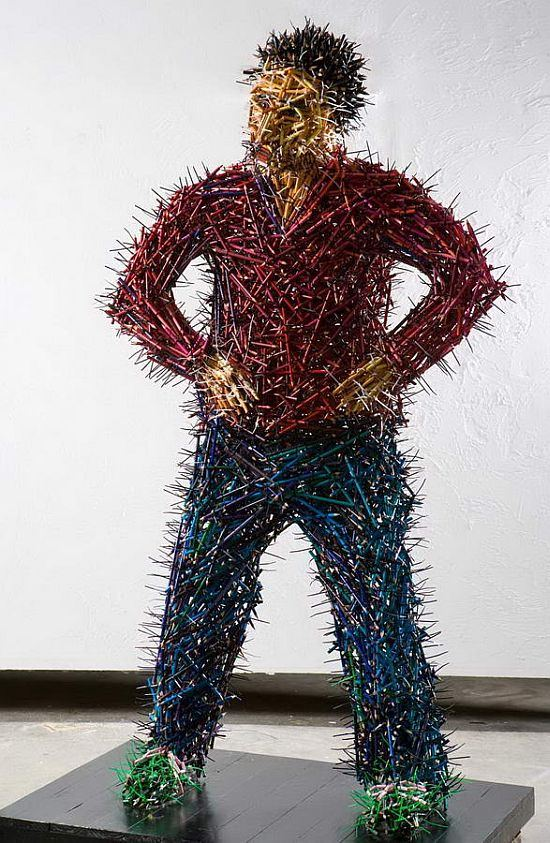 Federico-Uribe-arta-din-creioane