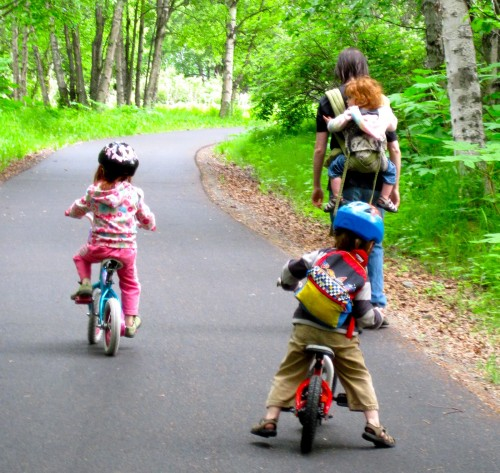 Primăvara, la plimbare cu bicicleta