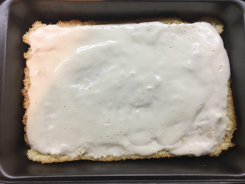 prăjitură pufoasă cu brânză de vaci
