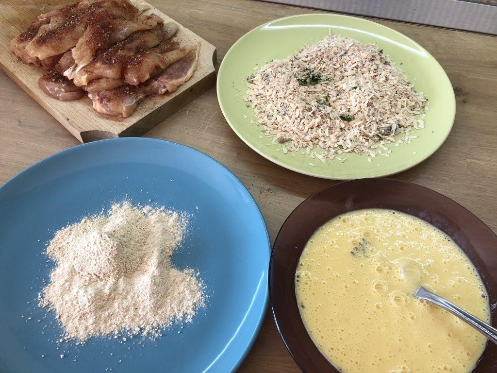 șnițel de pui în crustă de parmezan la cuptor