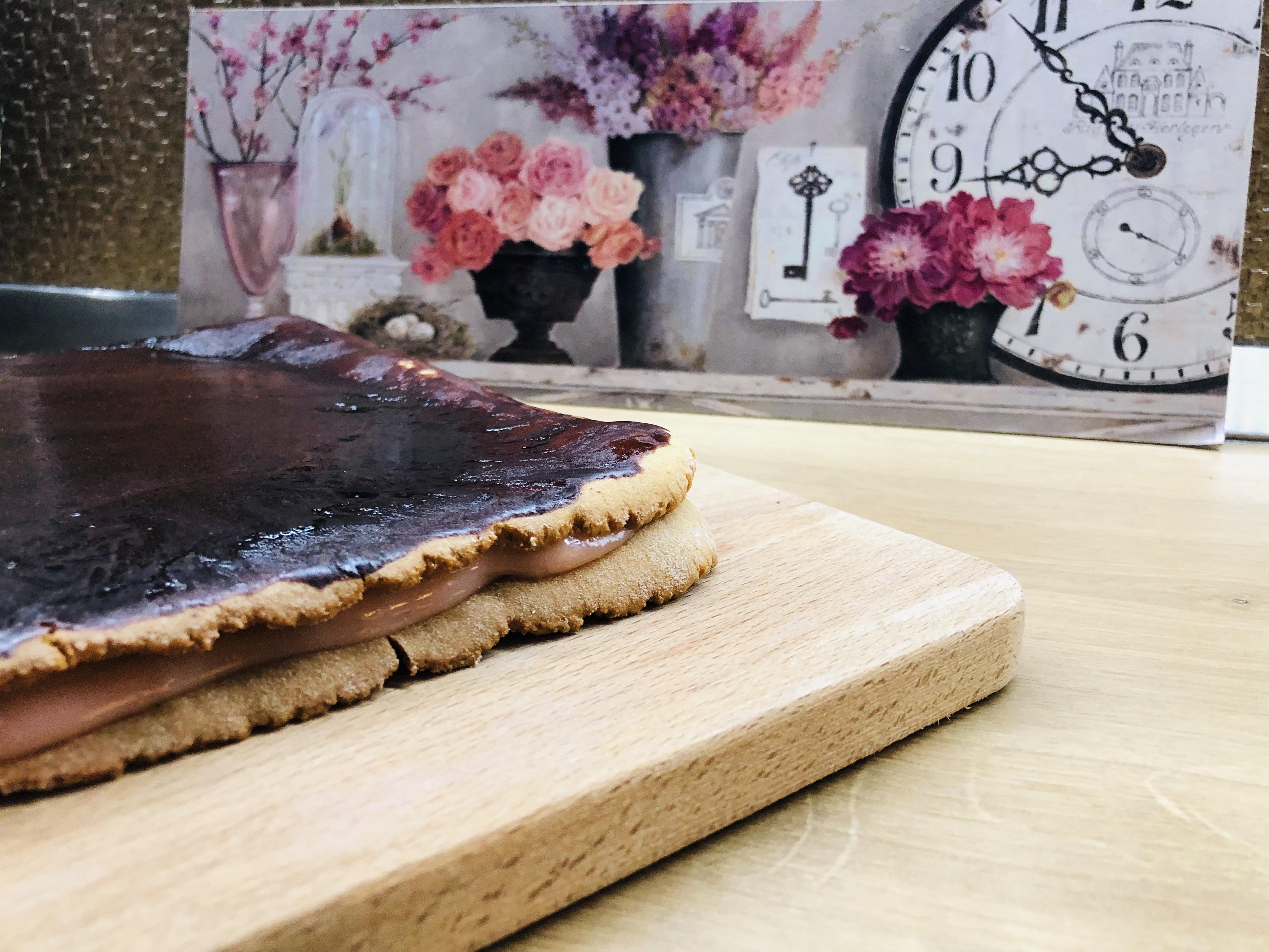 prăjitură cu foi cu miere de albine
