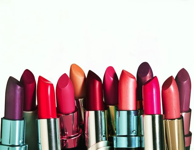 greșeli de evitat când cumpărăm produse cosmetice