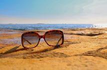 a purta ochelari de soare