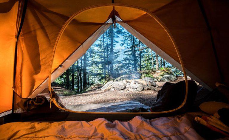 vacanță cu cortul